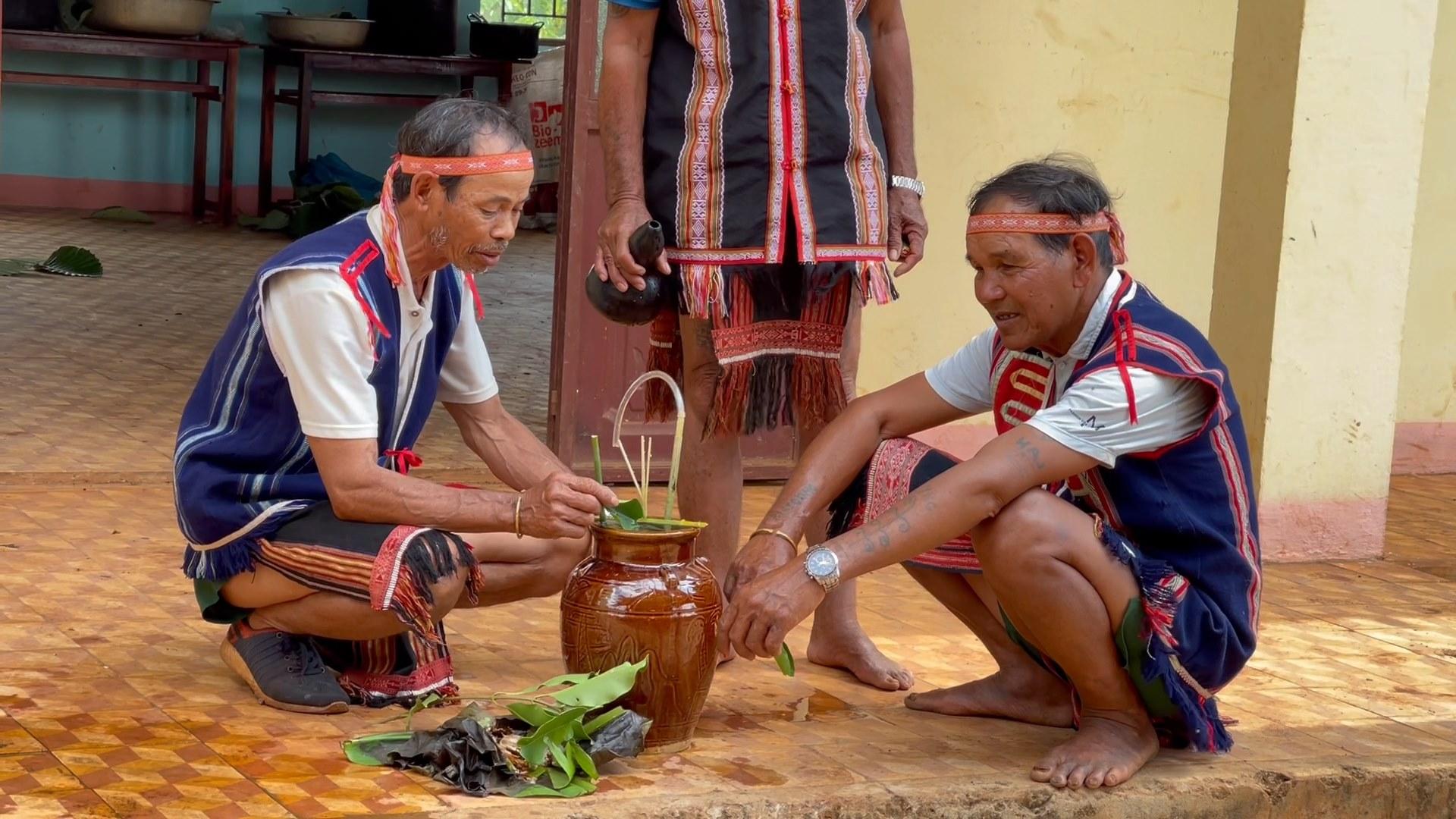 Gia Lai: Độc đáo lễ cúng Giọt nước có thể cầu một năm mưa thuận gió hòa - Ảnh 5.