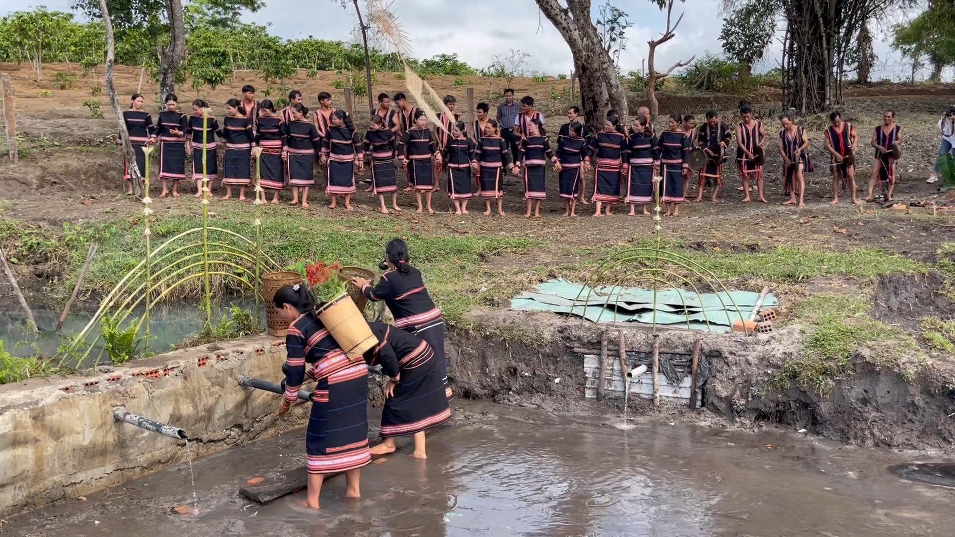 Gia Lai: Độc đáo lễ cúng Giọt nước có thể cầu một năm mưa thuận gió hòa - Ảnh 4.