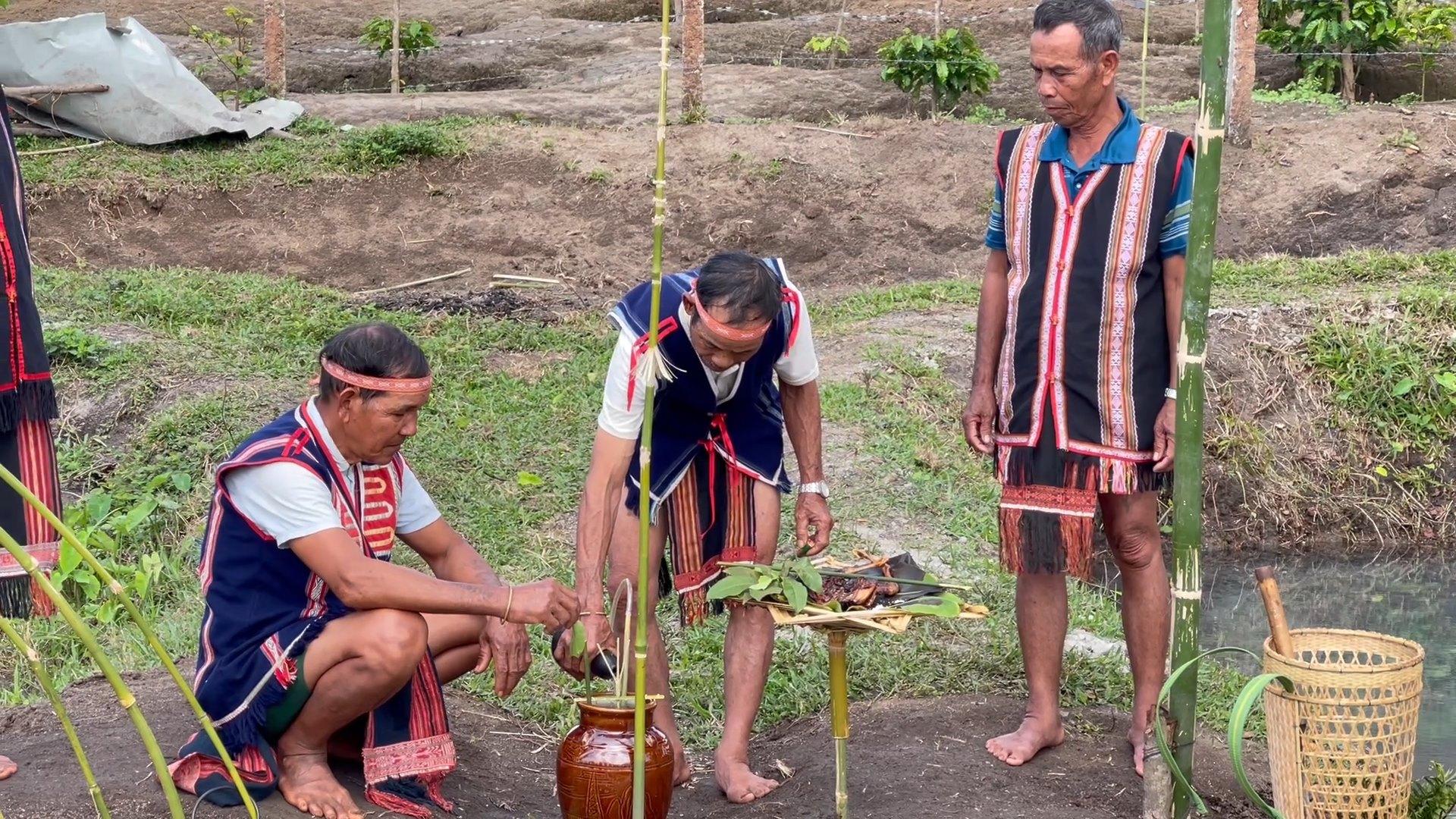 Gia Lai: Độc đáo lễ cúng Giọt nước có thể cầu một năm mưa thuận gió hòa - Ảnh 2.