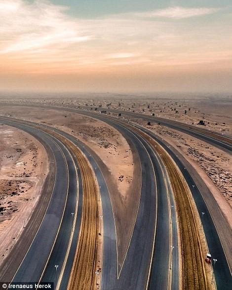 Vẻ đẹp siêu thực của Dubai nhìn từ trên cao - Ảnh 3.