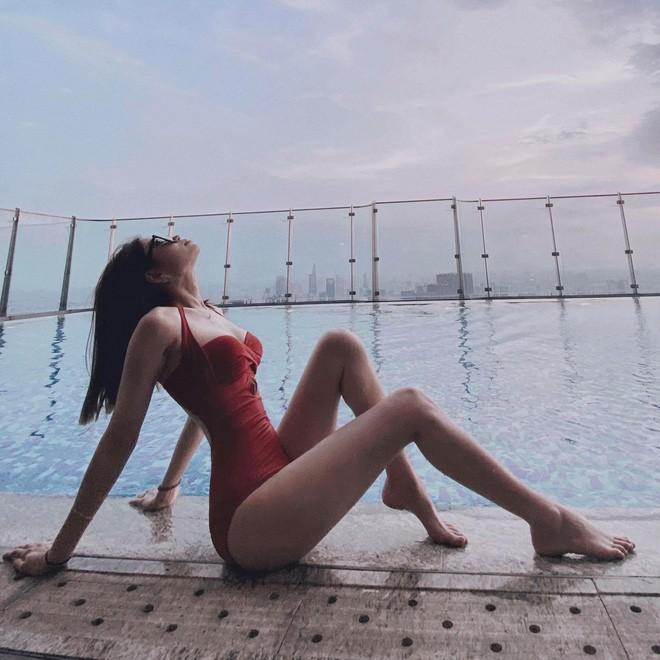 Nàng WAGS Việt xinh đẹp tự tin khoe dáng với bikini đỏ rực - Ảnh 6.