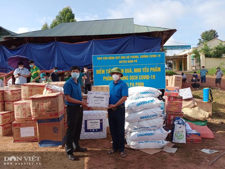 Báo NTNN/Điện tử Dân Việt hỗ trợ đồng bào vùng dịch Nậm Pồ - Ảnh 1.