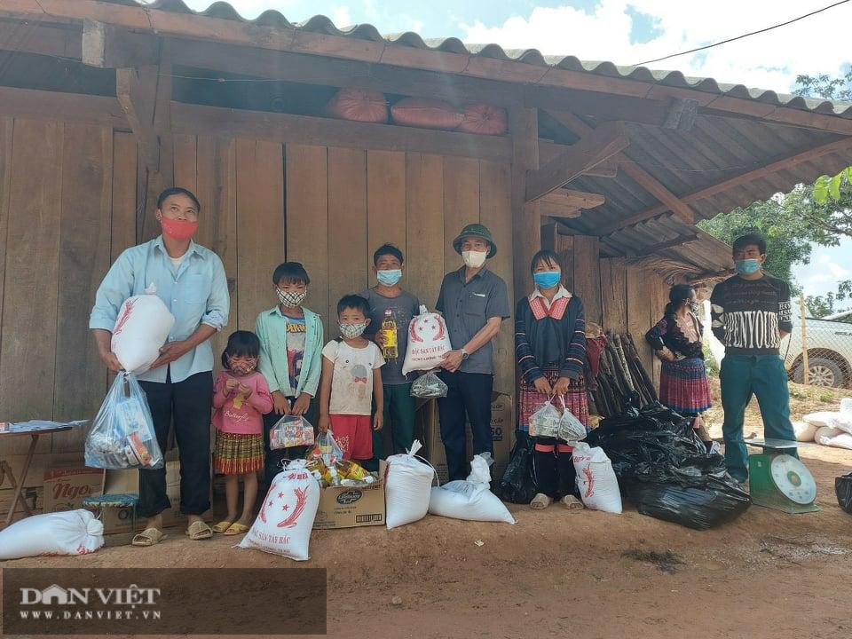 Báo NTNN/Điện tử Dân Việt hỗ trợ đồng bào vùng dịch Nậm Pồ - Ảnh 4.