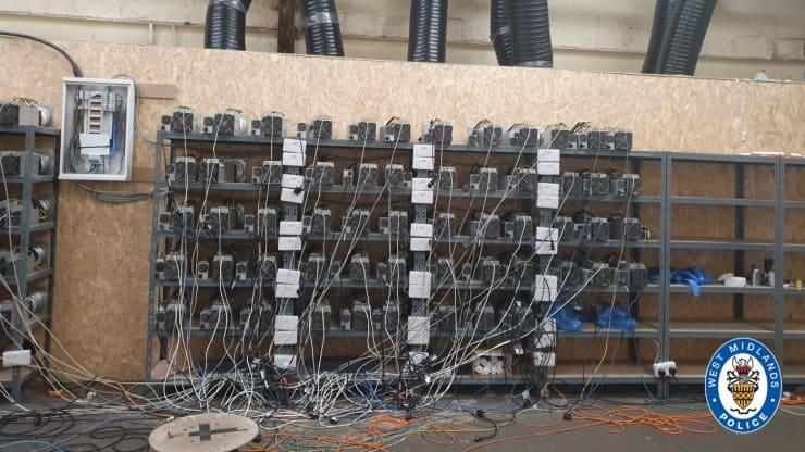 Mỏ đào bitcoin khổng lồ bị phát hiện ở Anh giữa lúc tiền điện tử đối diện nhiều hoài nghi - Ảnh 1.