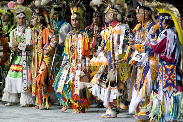 """Lễ Dậy thì đặc biệt của các thiếu nữ thổ dân Apache với đức tin về sự """"tái sinh"""" - Ảnh 1."""