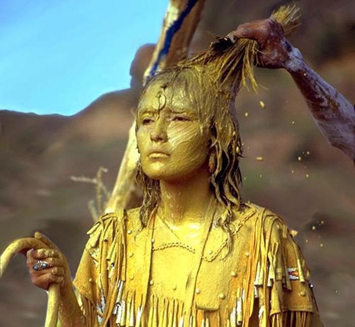 """Lễ Dậy thì đặc biệt của các thiếu nữ thổ dân Apache với đức tin về sự """"tái sinh"""" - Ảnh 5."""