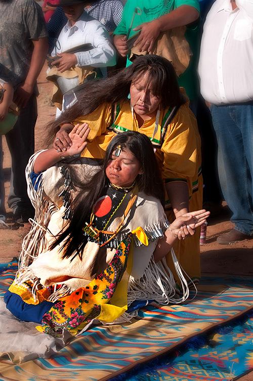 """Lễ Dậy thì đặc biệt của các thiếu nữ thổ dân Apache với đức tin về sự """"tái sinh"""" - Ảnh 6."""
