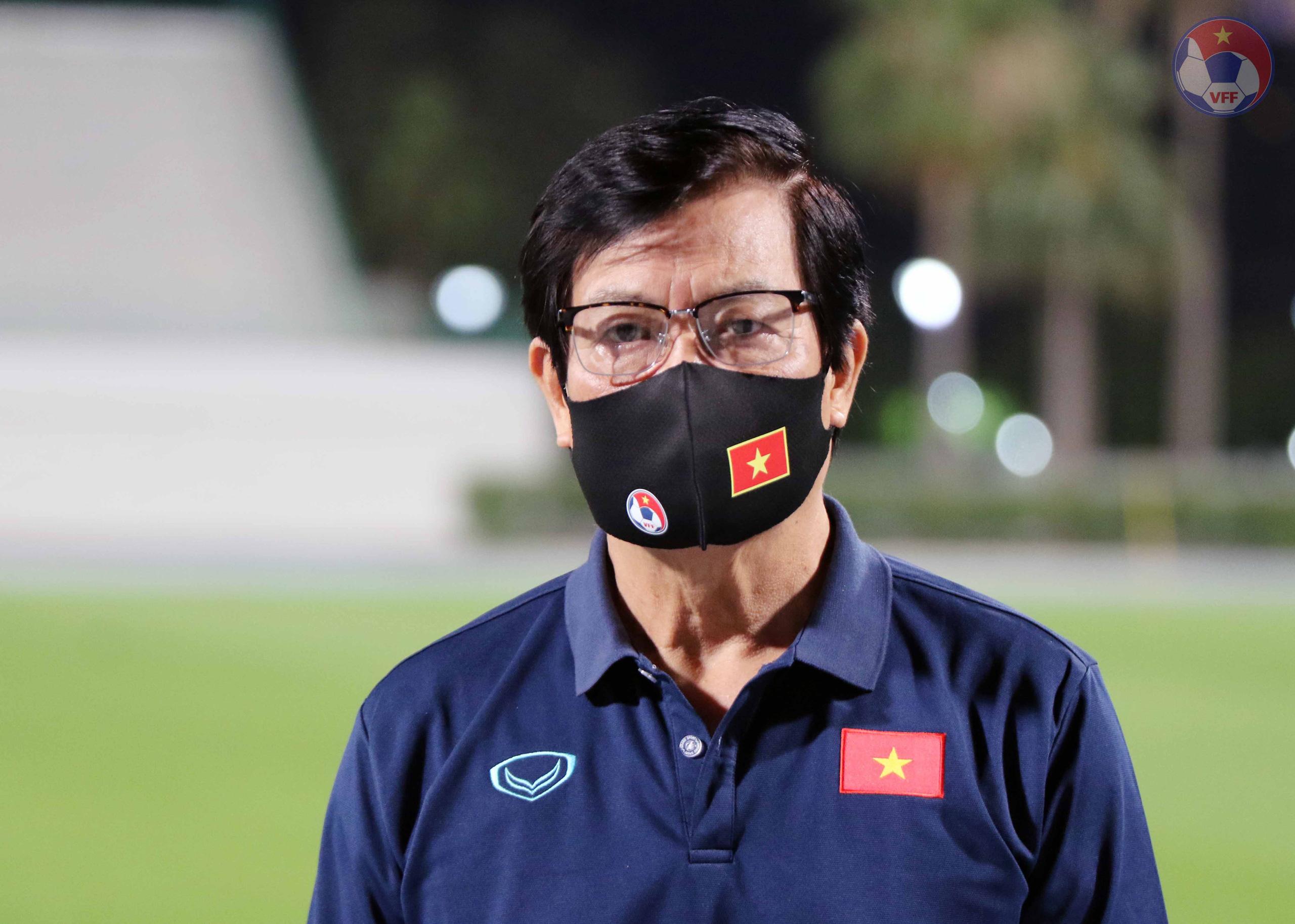 ĐT Việt Nam tại UAE: 3 tuyển thủ phải tập riêng - Ảnh 4.