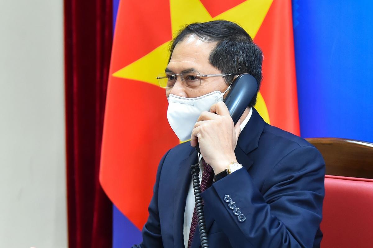 Hoa Kỳ sẽ tiếp tục hỗ trợ Việt Nam tiếp cận vaccine Covid-19 thông qua COVAX - Ảnh 3.