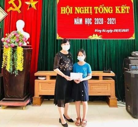 Quảng Trị: Nữ sinh lớp 5 dùng toàn bộ phần thưởng ủng hộ y, bác sĩ ở Bắc Giang - Ảnh 1.