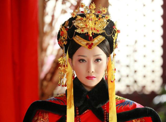 Cuộc đời bi thảm của Hoàng hậu tại vị lâu nhất triều Thanh: Sống cô độc ở tẩm cung, sống chỉ là con rối - Ảnh 1.
