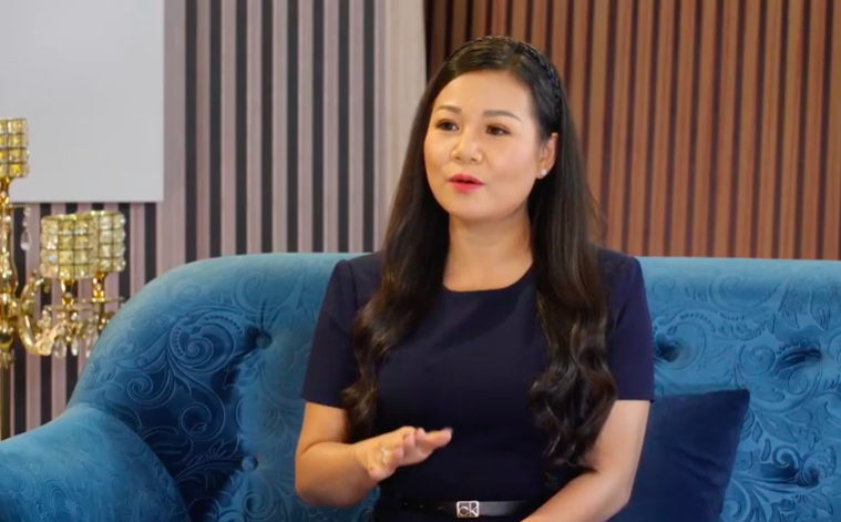 """Chuyện cuối tuần: Dương Hồng Loan áp lực khi bị chồng hỏi khó """"một là chọn hát, hai là chọn anh""""  - Ảnh 1."""