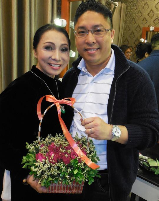 Nghệ sĩ cải lương Bạch Tuyết: Tan vỡ hôn nhân và cái duyên gặp chồng tỉ phú - Ảnh 2.