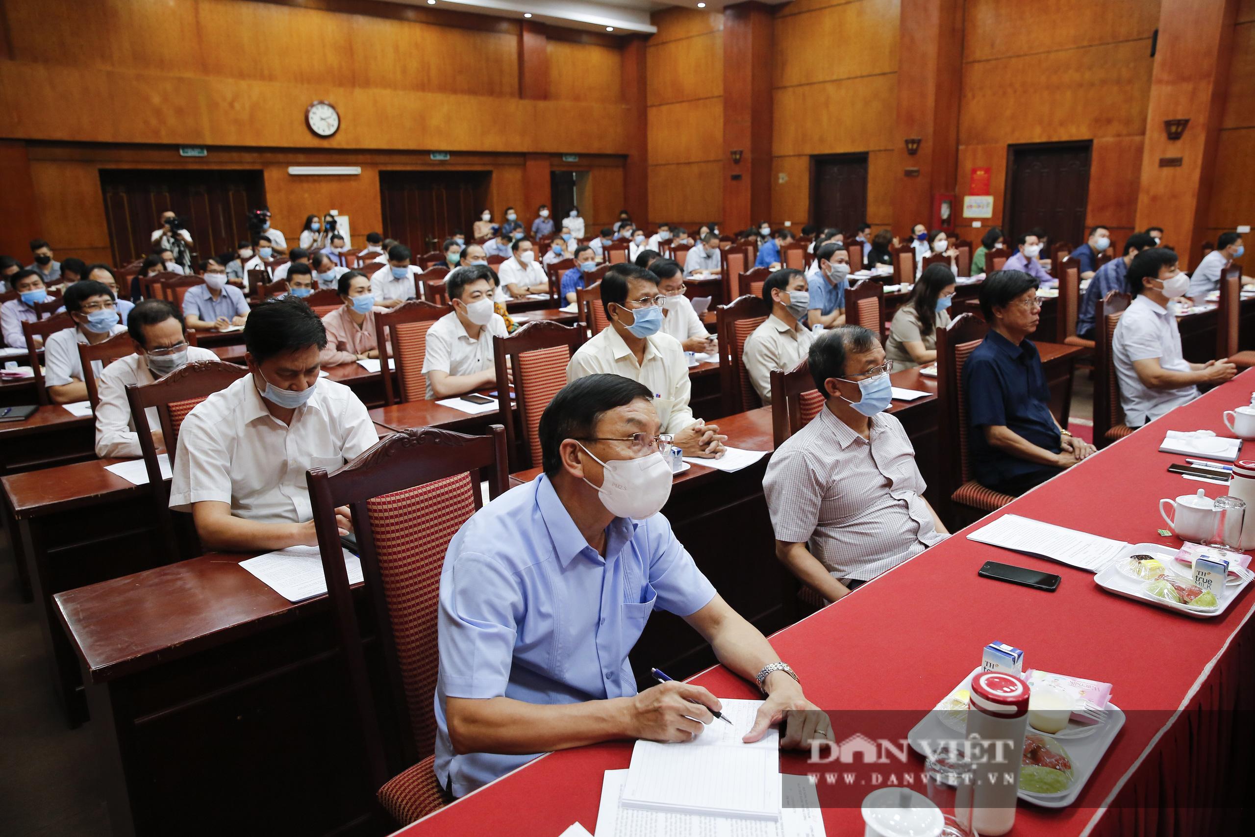 Ảnh: Hội nghị BCH TƯ Hội Nông dân Việt Nam triển khai quyết định của Bộ Chính trị về công tác cán bộ - Ảnh 4.