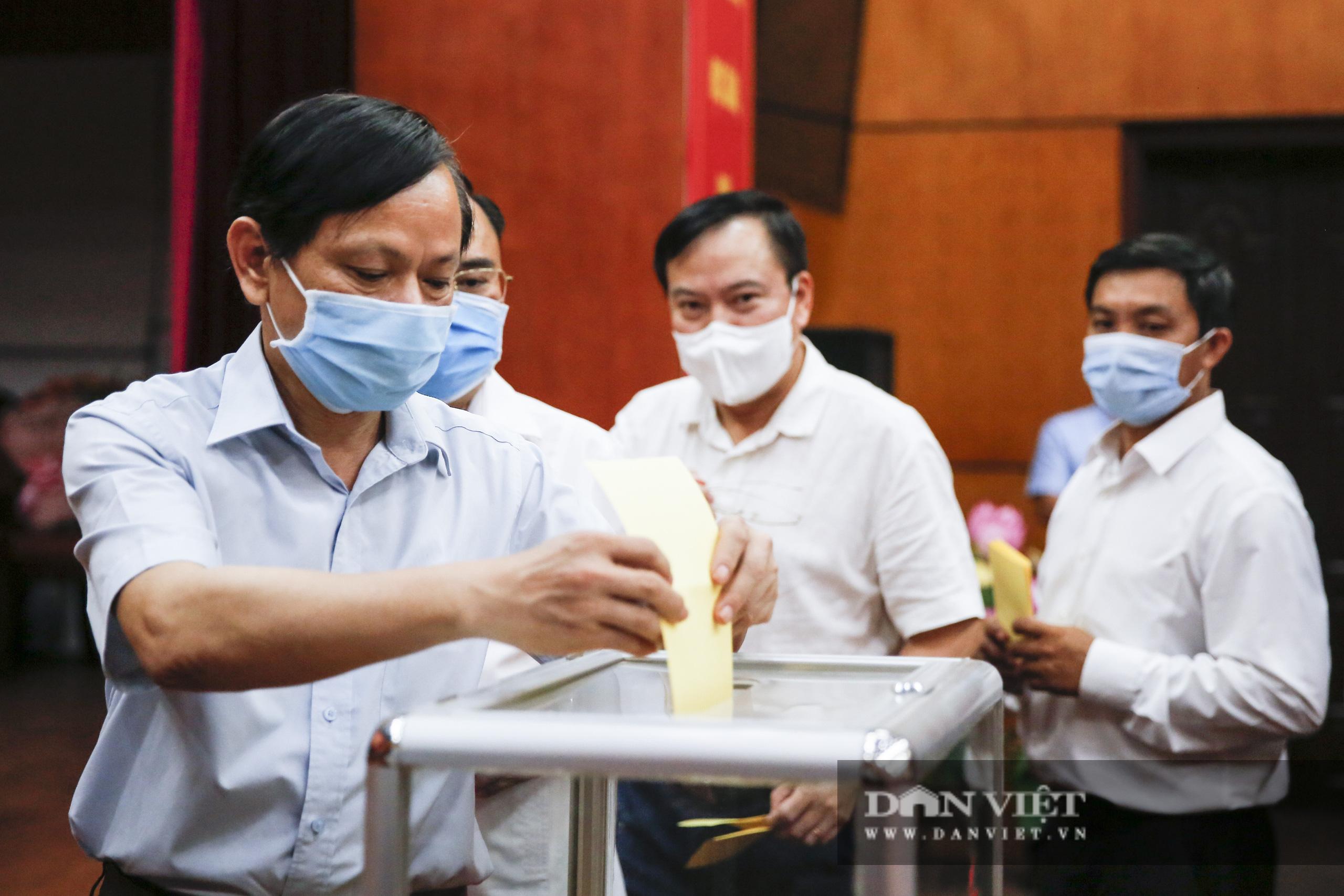 Ảnh: Hội nghị BCH TƯ Hội Nông dân Việt Nam triển khai quyết định của Bộ Chính trị về công tác cán bộ - Ảnh 12.