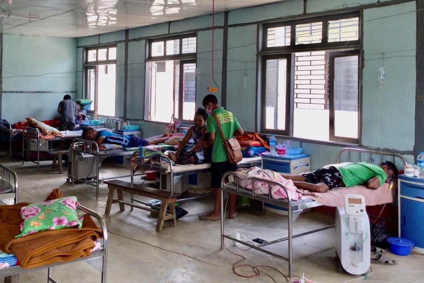 Dịch Covid-19 bùng phát tại Myanmar, hệ thống y tế gặp nhiều khó khăn - Ảnh 1.
