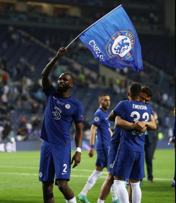 CHÙM ẢNH: Chelsea vỡ òa đăng quang Champions League - Ảnh 12.