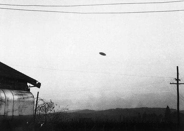Cơ quan tìm kiếm UFO của Bộ Quốc phòng có thể sẽ được khôi phục sau báo cáo của Lầu Năm Góc - Ảnh 2.