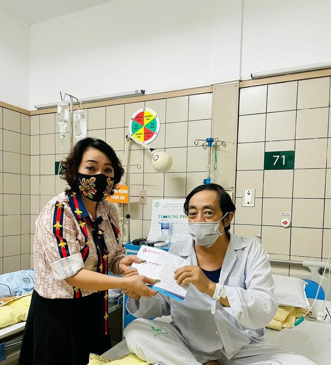 Nghệ sĩ Giang Còi sụt 14kg sau lần ho ra máu, nhập viện cấp cứu khiến fan lo lắng - Ảnh 3.