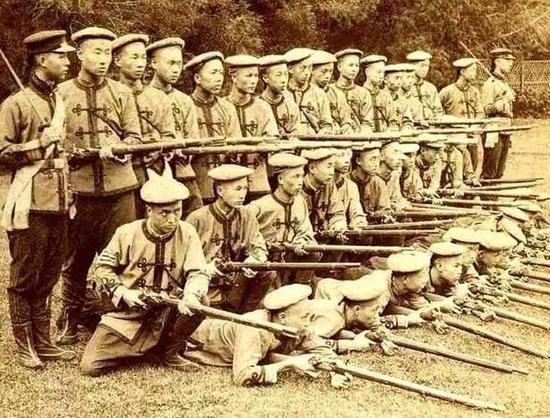 Vì sao Quân đội nhà Thanh có vũ khí hiện đại vẫn thua quân Nhật? - Ảnh 1.