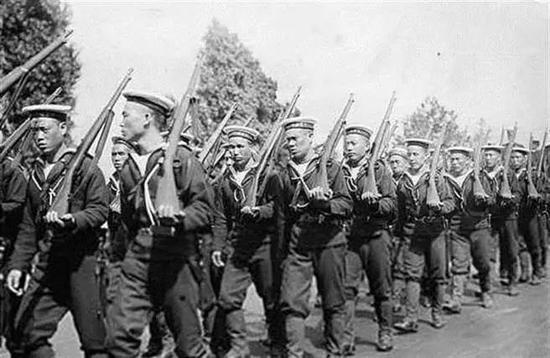 Vì sao Quân đội nhà Thanh có vũ khí hiện đại vẫn thua quân Nhật? - Ảnh 2.