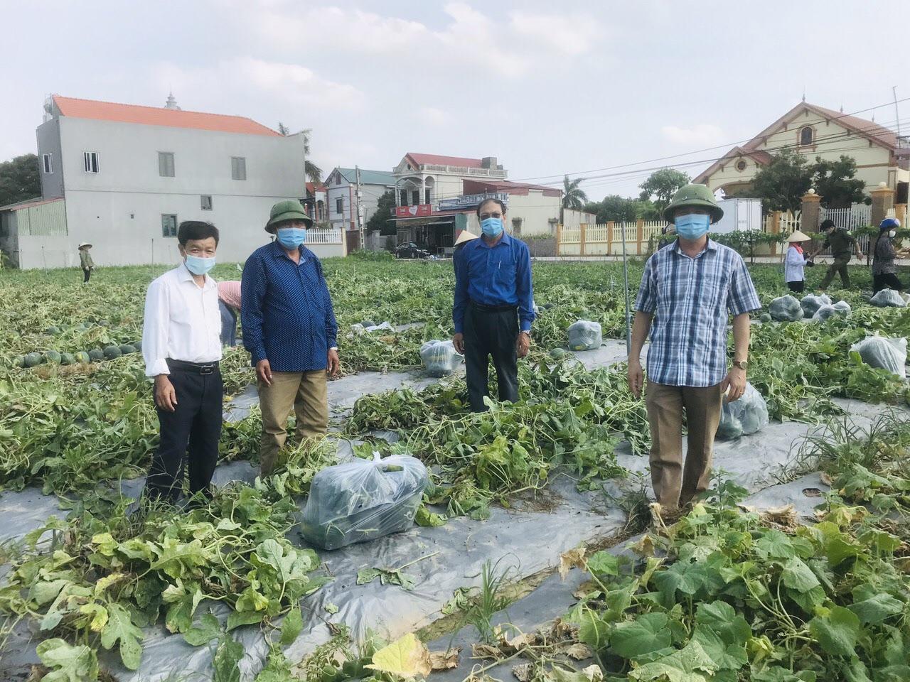 Thực hiện nhiệm vụ kép: Vừa chống dịch vừa duy trì hoạt động sản xuất kinh doanh tại Bắc Ninh - Ảnh 2.
