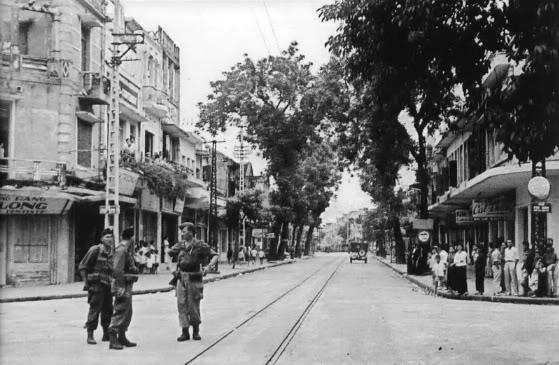 Hà Nội: Kỳ lạ con phố cổ dài 1 Km nhưng có 6 tên gọi khác nhau - Ảnh 10.