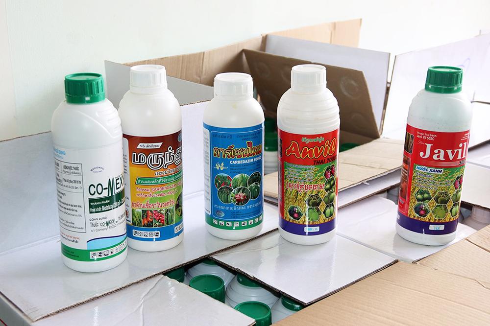 An Giang: Bắt quả tang giám đốc công ty sản xuất thuốc bảo vệ thực vật dỏm - Ảnh 3.