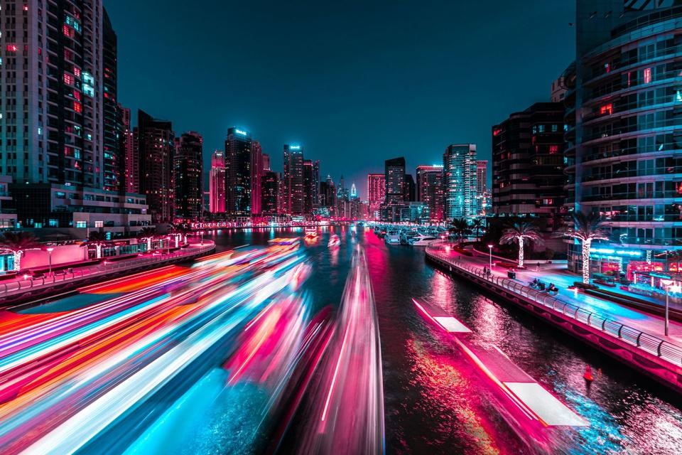 Ảnh phơi sáng biến Dubai thành một thành phố không ngủ về đêm - Ảnh 6.