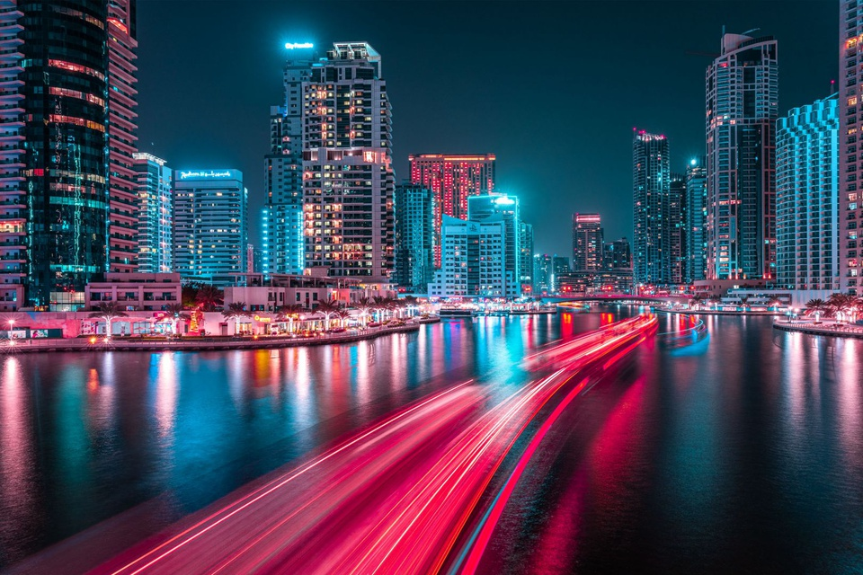 Ảnh phơi sáng biến Dubai thành một thành phố không ngủ về đêm - Ảnh 7.