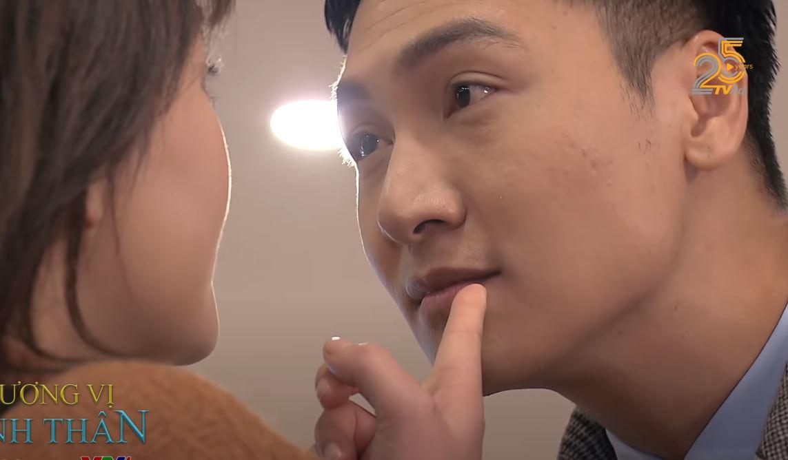 """Phim hot Hương vị tình thân tập 30: Nam """"thách thức"""" Thy, thả thính giám đốc Long - Ảnh 1."""