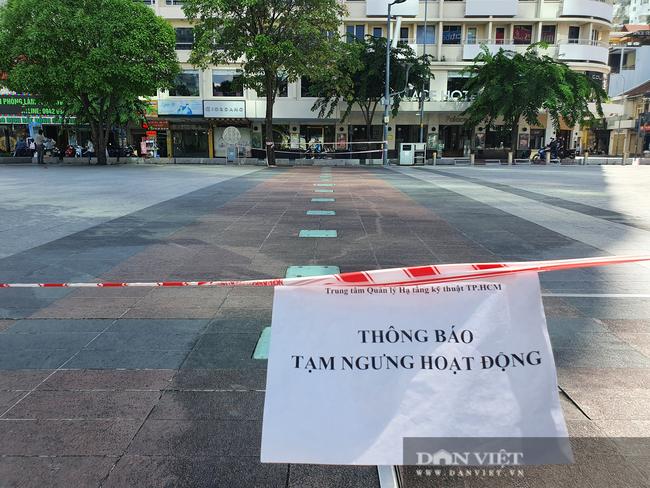 ẢNH: Ngày đầu giãn cách xã hội, đường TP.HCM không kẹt xe từ sáng tới chiều, Gò Vấp tạm dỡ chốt phong tỏa - Ảnh 4.