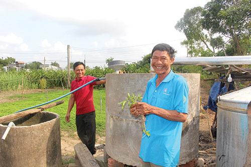 Bình Thuận: Bạc hà là cây gì mà dân ở đây trồng thơm cả cánh đồng, nấu ra tinh dầu bao nhiêu đều bán hết? - Ảnh 1.