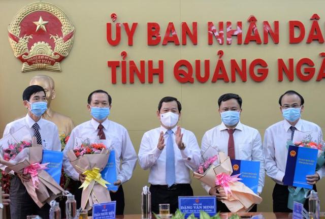 Quảng Ngãi: Công bố quyết định bổ nhiệm 4 Giám đốc Sở  - Ảnh 1.