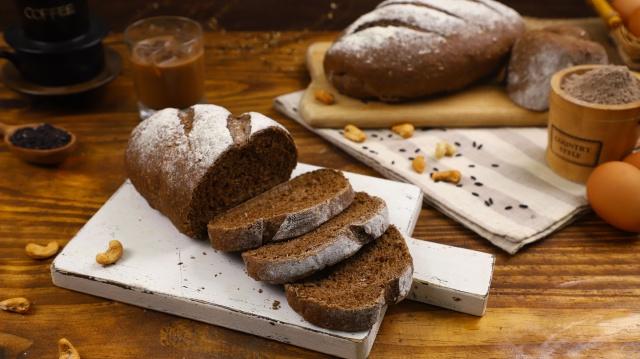 Cách làm bánh mì đen giòn ngon bổ dưỡng như đồ nhập khẩu tại nhà - Ảnh 10.