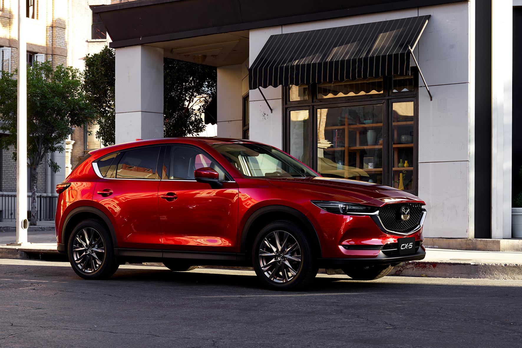 Ưu thế nào giúp Mazda CX-5 'thống lĩnh' phân khúc SUV cỡ trung tại Việt Nam? - Ảnh 2.