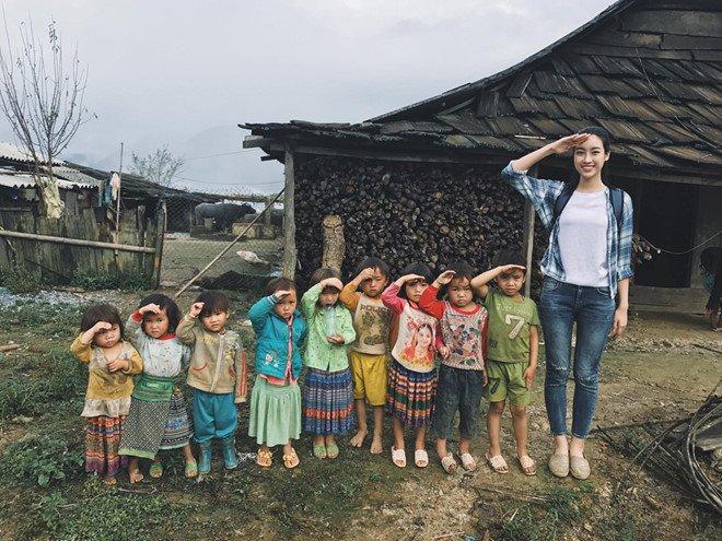 """Không váy áo lộng lẫy Lương Thuỳ Linh bất ngờ """"tái xuất"""" tại Miss World 2021, đàn em Đỗ Hà được fan """"réo tên"""" - Ảnh 4."""