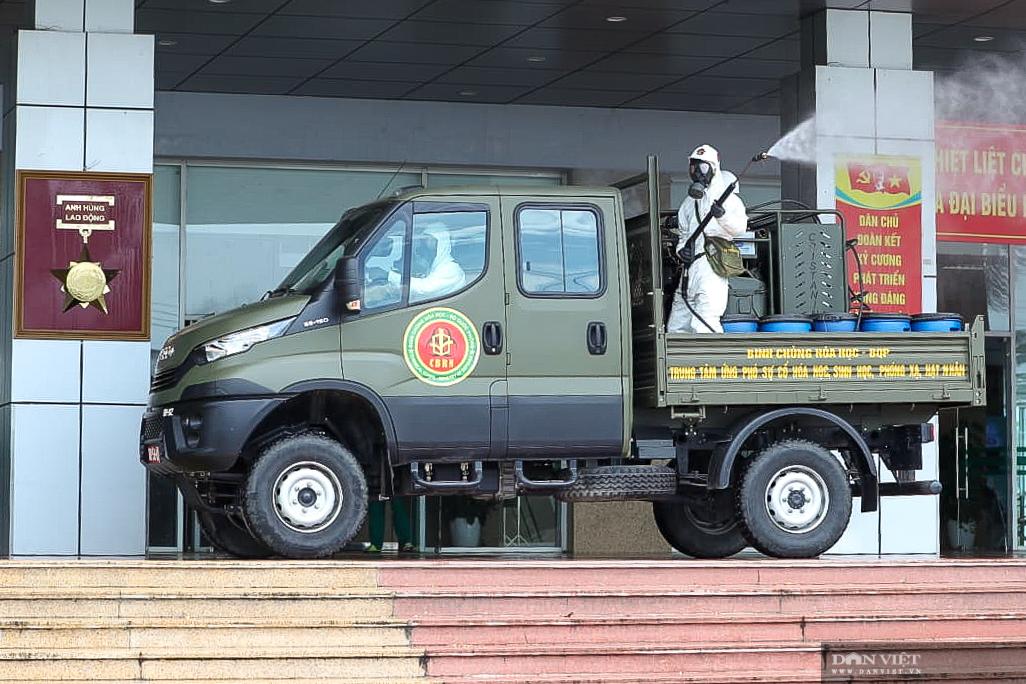 Hà Nội: khử khuẩn toàn bộ Bệnh viện Bệnh Nhiệt đới Trung ương cơ sở Đông Anh - Ảnh 9.