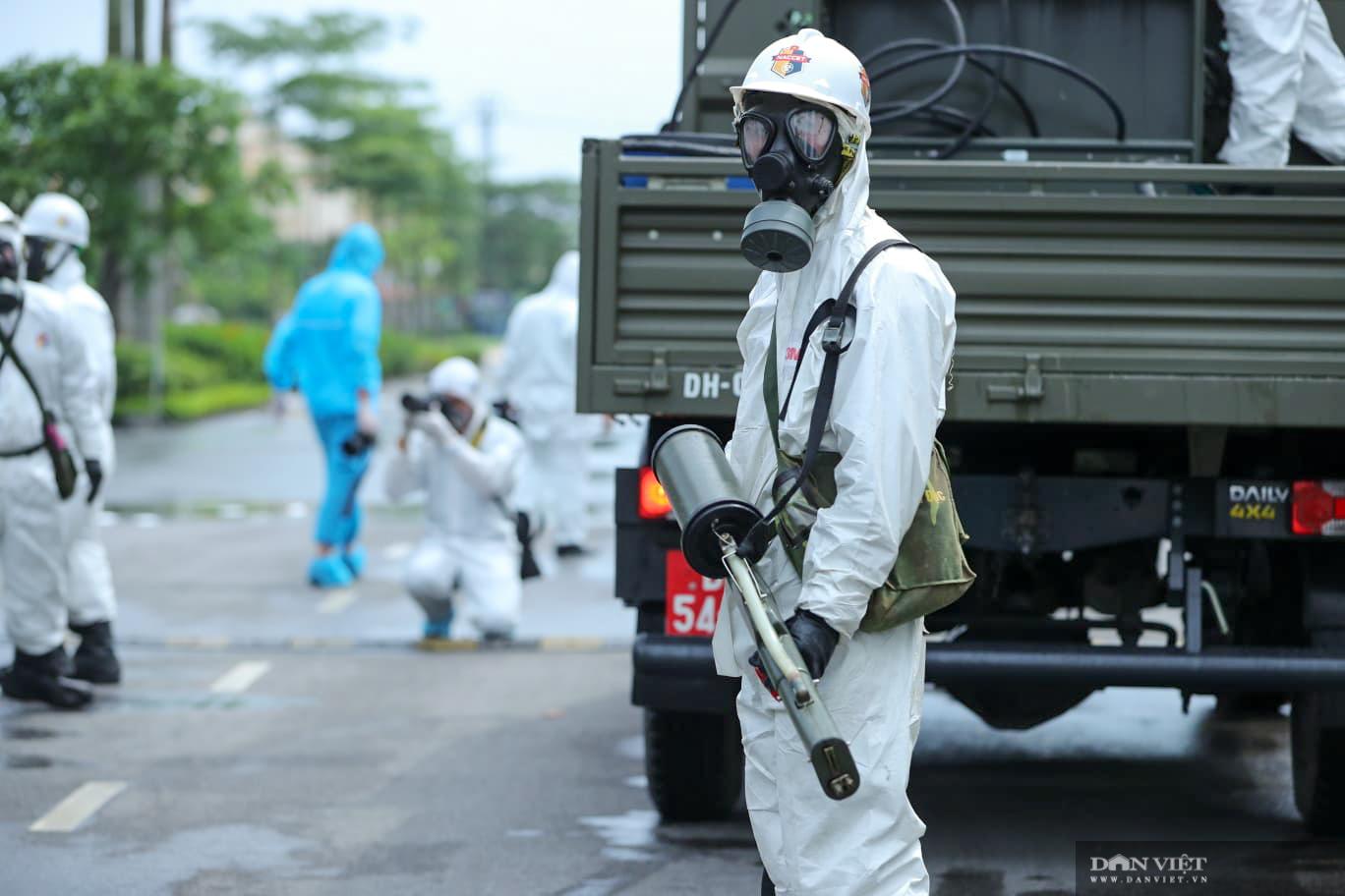 Hà Nội: khử khuẩn toàn bộ Bệnh viện Bệnh Nhiệt đới Trung ương cơ sở Đông Anh - Ảnh 10.