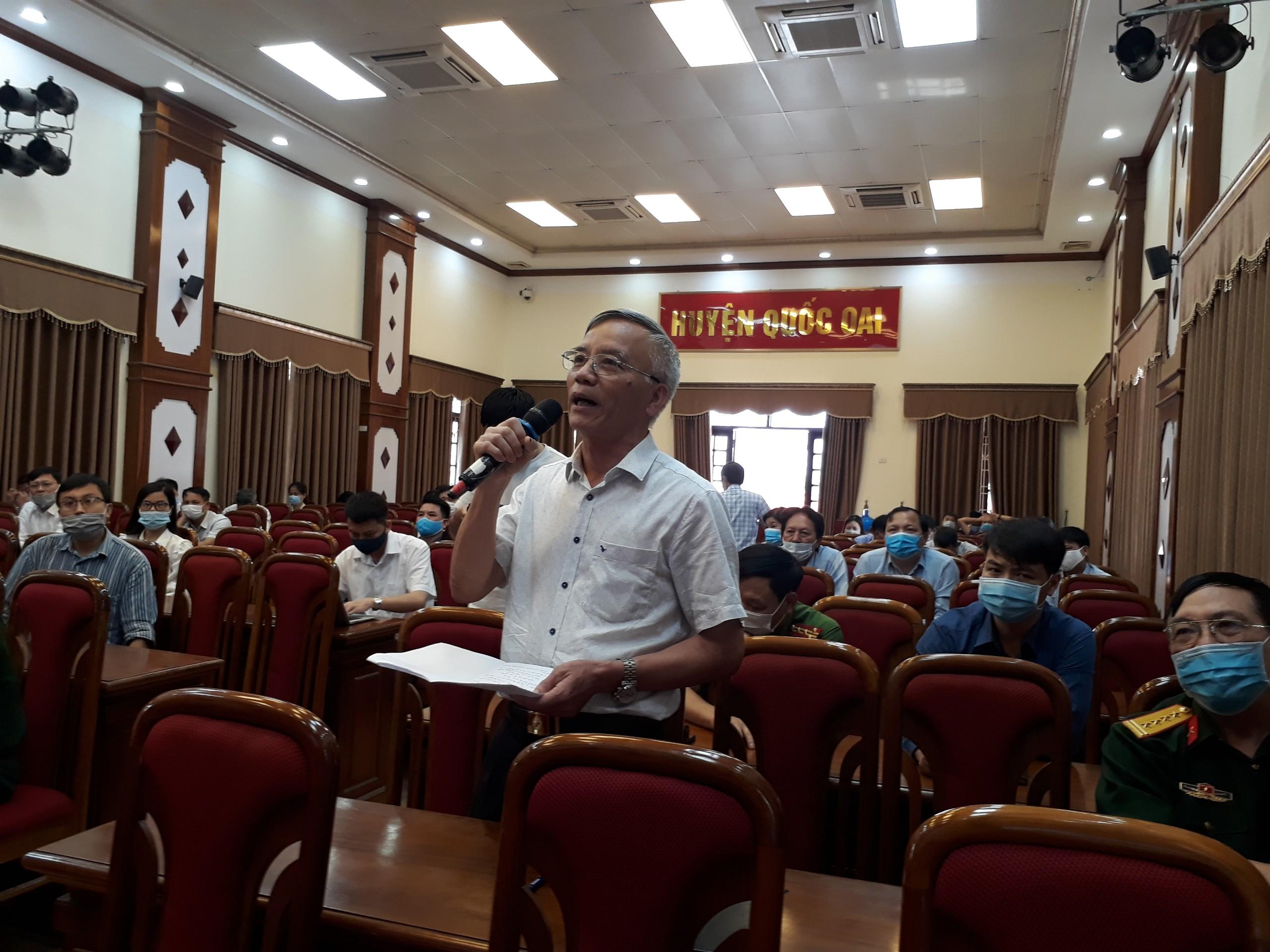 Cử tri Hà Nội chia sẻ với người ứng cử đại biểu Quốc hội khóa XV việc dân không muốn ăn gà mình nuôi - Ảnh 2.