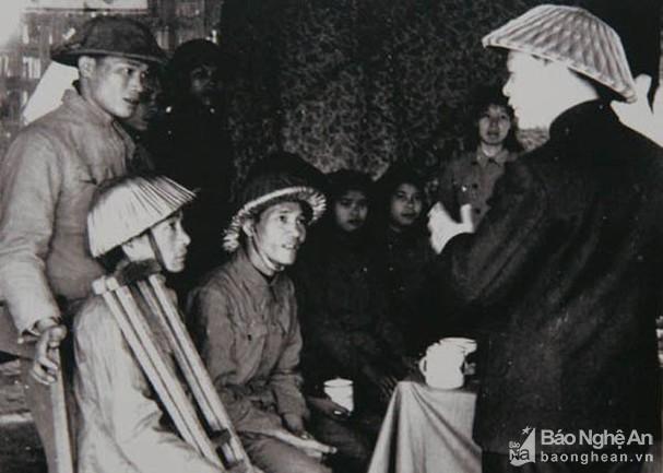 Đại tướng Võ Nguyên Giáp và những khoảnh khắc lịch sử ở Điện Biên Phủ - Ảnh 10.