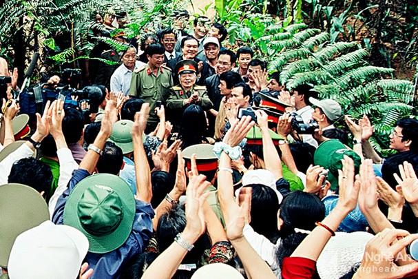 Đại tướng Võ Nguyên Giáp và những khoảnh khắc lịch sử ở Điện Biên Phủ - Ảnh 17.