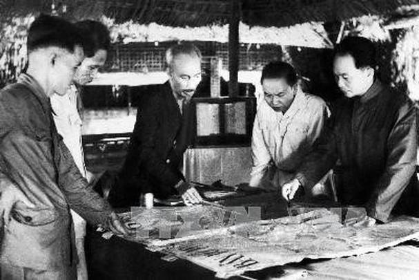 Đại tướng Võ Nguyên Giáp và những khoảnh khắc lịch sử ở Điện Biên Phủ - Ảnh 2.