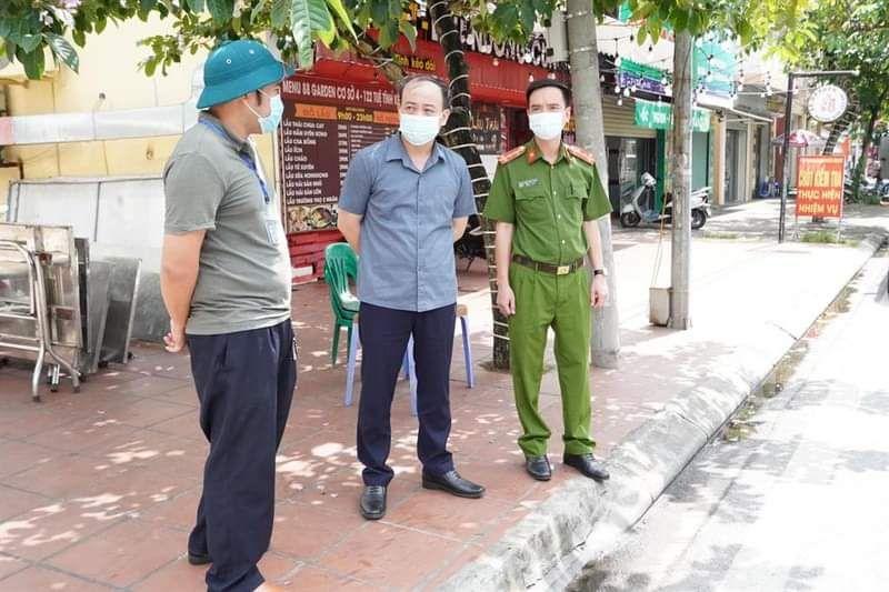 Hải Dương: Phê bình 2 Chủ tịch phường vì lơ là chống dịch - Ảnh 1.
