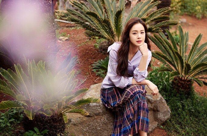 Kim Tae Hee rạng rỡ, tươi tắn không ngờ ở tuổi 41 - Ảnh 5.