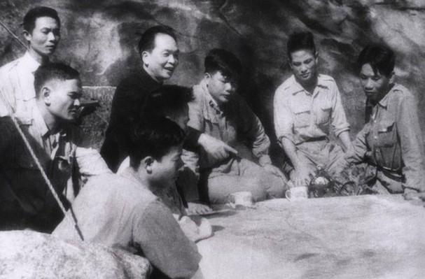 Đại tướng Võ Nguyên Giáp và những khoảnh khắc lịch sử ở Điện Biên Phủ - Ảnh 5.