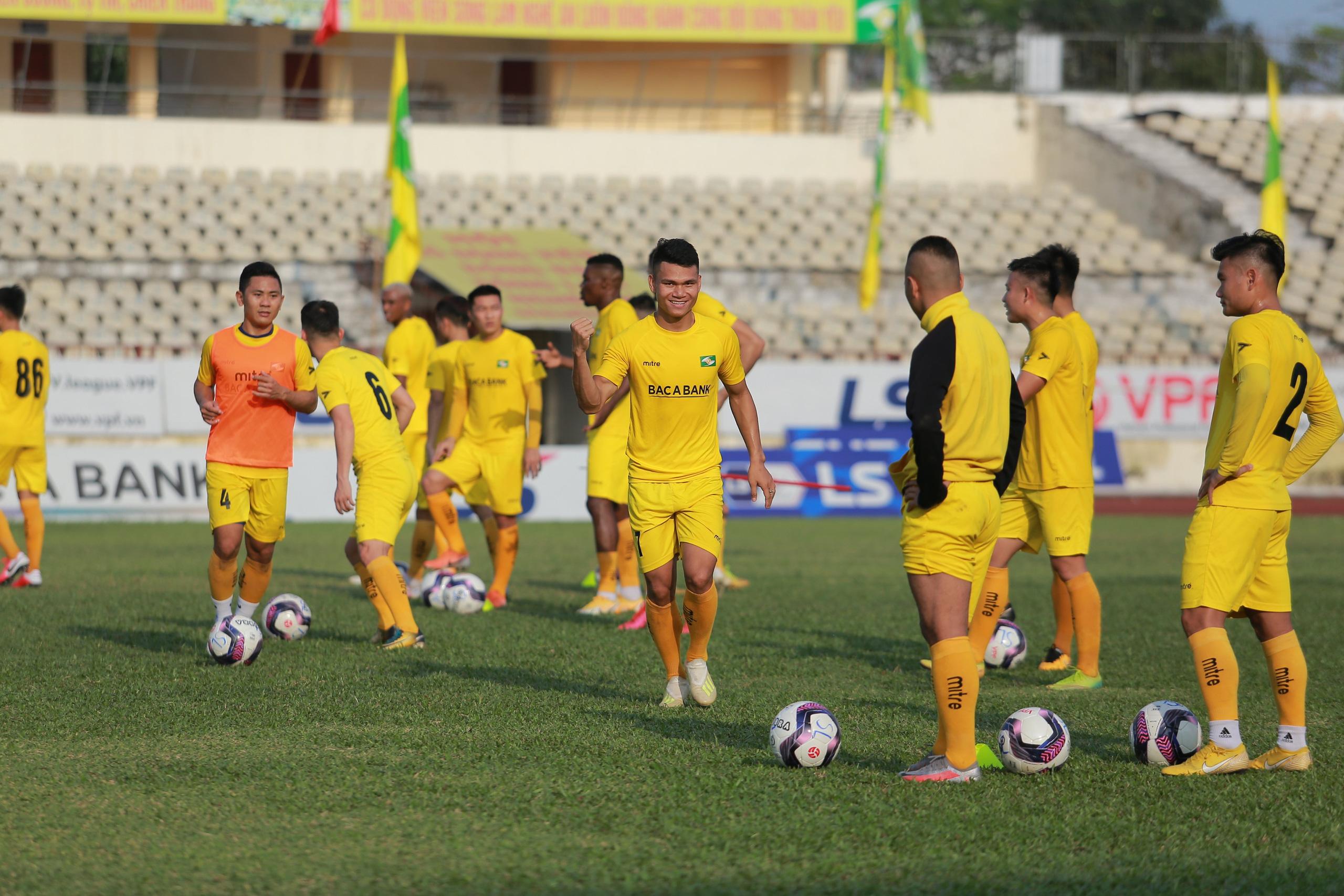 Nóng: Toàn bộ đội 1 của CLB bóng đá Sông Lam Nghệ An bị cách ly vì Covid-19 - Ảnh 3.