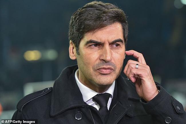 HLV Fonseca xúc động sau chiến thắng ở lượt về.