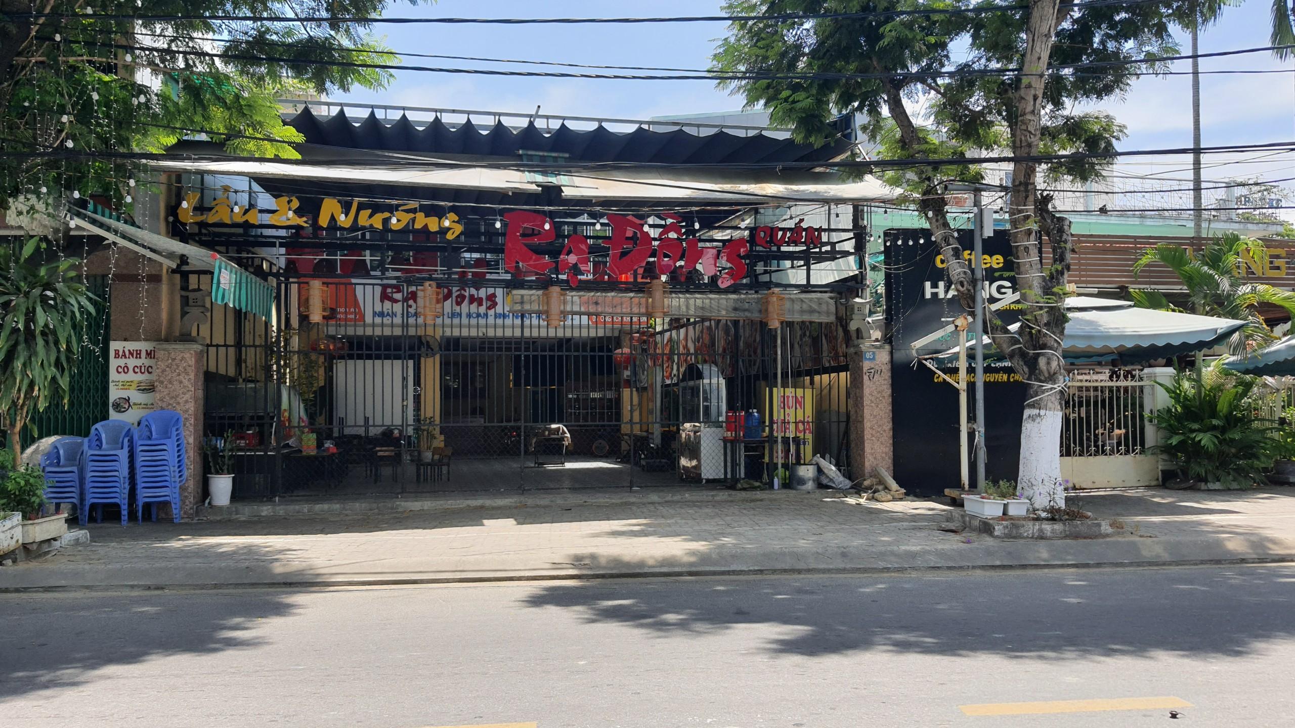 Đà Nẵng: Hàng quán nghiêm chỉnh treo bảng bán mang về, thậm chí đóng cửa để phòng chống dịch Covid-19 - Ảnh 3.