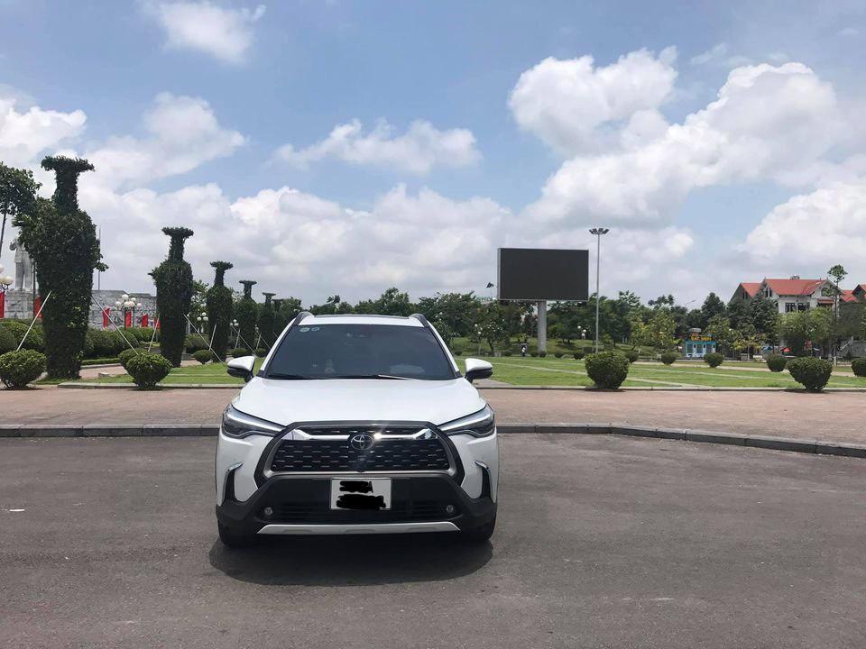 Toyota Corolla Cross đăng ký nửa năm, chạy siêu ít, rao bán giá bất ngờ - Ảnh 1.